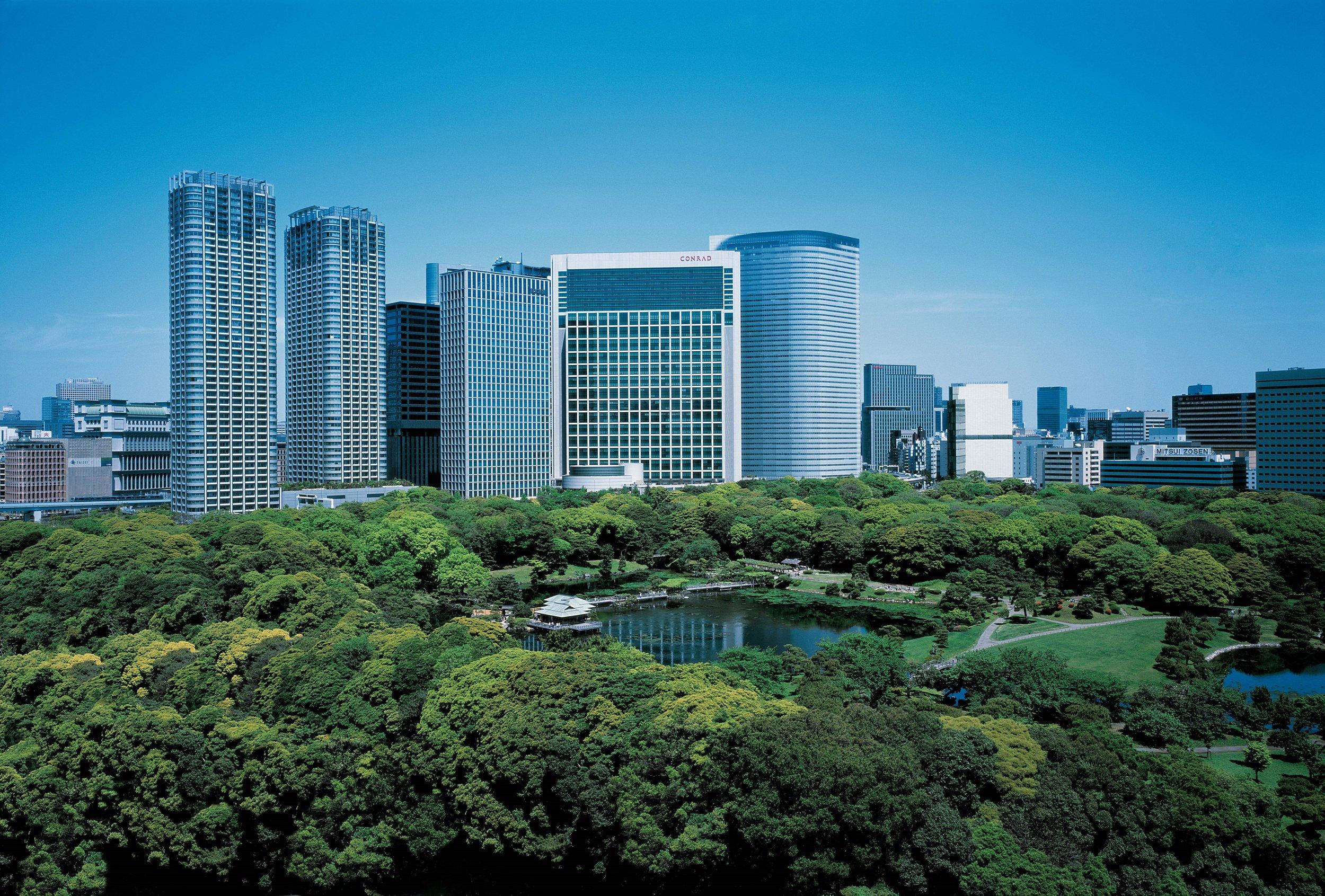 コンラッド東京がヒルトン創業 100 周年に贈る、コンラッド『スカイ・イントリーグ』 小型チャーター機とスーパーカーで東京‐大阪間をつなぐ 2 泊 3 日のプライベートツアー